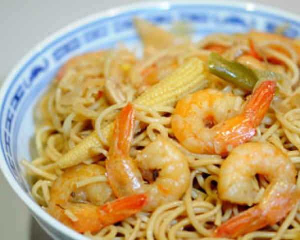 recette nouilles chinoises saut es aux crevettes d couvrez cette recette de cuisine sur recette. Black Bedroom Furniture Sets. Home Design Ideas